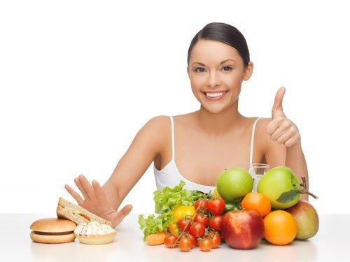 Để giúp cân bằng nội tiết tố nữ chị em nên xây dựng chế độ ăn uống lành mạnh và luyện tập thể dục thể thao hàng ngày